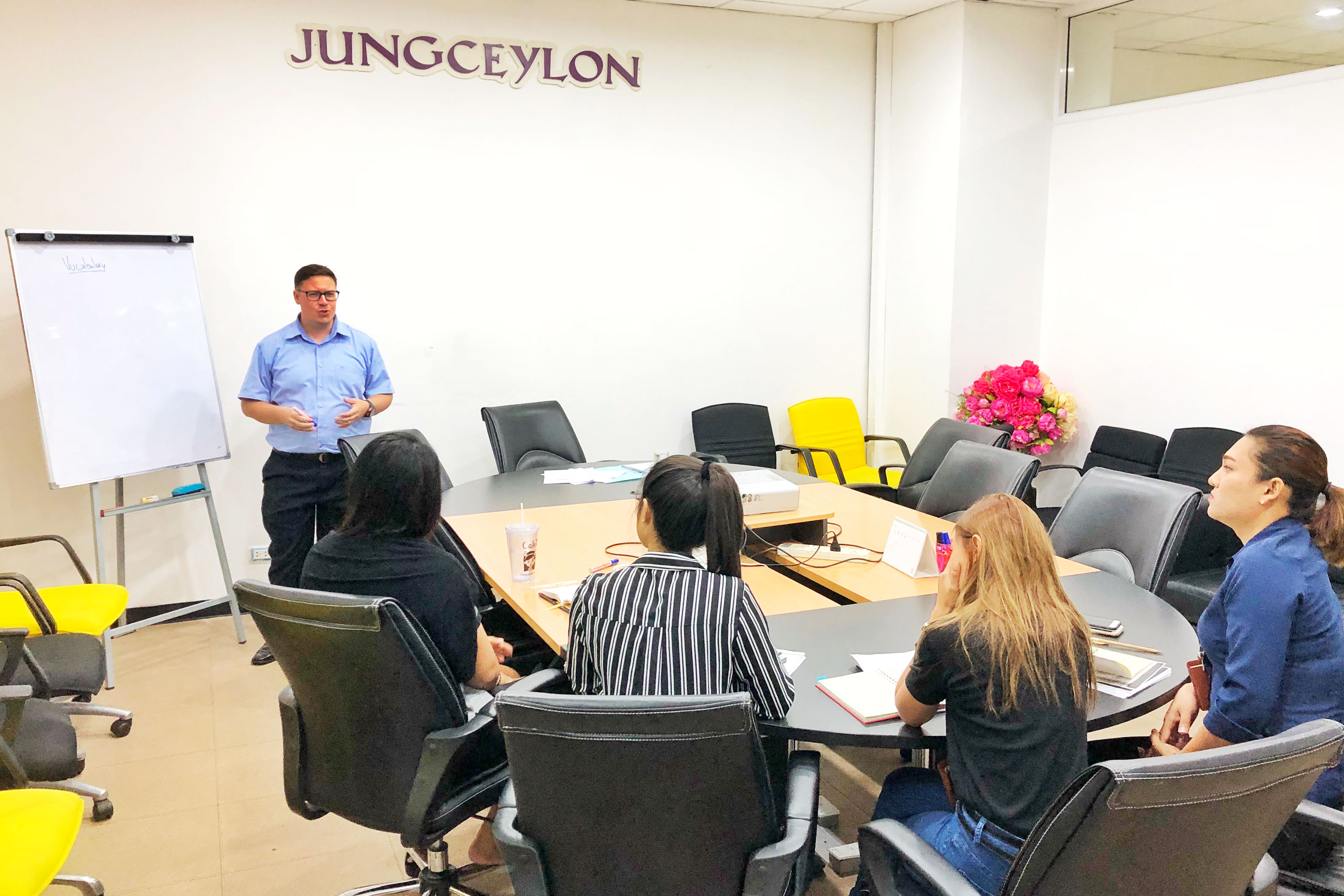 genius english for business at Jungceylon